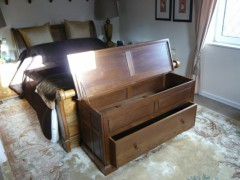 Furn-Blanket-Chest-03-P1020410-large